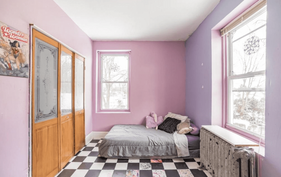 """A Christmas Nightmare – 26 Cloverdale Avenue, Upper Darby, Delaware County, Pennsylvania, PA 19082, United States of America – Listed for sale for £221,000 ($300,000, €246,000 or درهم1.1 million), a sum 512% higher than the sale price twenty years prior, through Howard Hanna Real Estate Services in December 2020 – """"Mini castle"""" in Pennsylvania goes on sale for 512% more than it sold for in 2000 in spite of its decoration being nightmare nasty."""