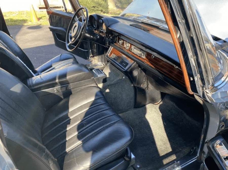 Elvis & Epstein's Dictator Car – Ex-Elvis Presley Mercedes 600 to be sold – 1969 Mercedes-Benz 600 'Dictator Car' sedan originally owned by Elvis Presley and currently by an Epstein is being sold by auction –1969 Mercedes-Benz 600 sedan, chassis number 10001212001321, originally owned by Elvis Presley and gifted to Jimmy Velvet in the mid-1970s – To be sold by Bring A Trailer on Friday 18th December 2020 at 7.05pm – Current bid of £160,400 ($214,500, €177,000 or درهم787,800).